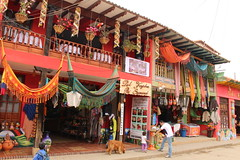 """Artesanías y hamacas en Ráquira • <a style=""""font-size:0.8em;"""" href=""""http://www.flickr.com/photos/78328875@N05/23143735783/"""" target=""""_blank"""">View on Flickr</a>"""