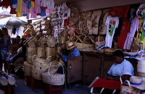 """Bahamas 1988 (173) New Providence: Straw Market, Nassau • <a style=""""font-size:0.8em;"""" href=""""http://www.flickr.com/photos/69570948@N04/23239425754/"""" target=""""_blank"""">View on Flickr</a>"""