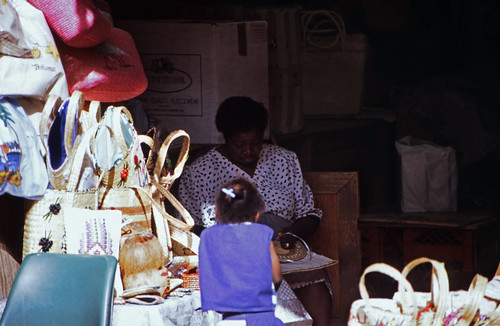 "Bahamas 1988 (174) New Providence: Straw Market, Nassau • <a style=""font-size:0.8em;"" href=""http://www.flickr.com/photos/69570948@N04/23841199426/"" target=""_blank"">View on Flickr</a>"