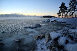 Freezing sea and sea smoke at -20°C (Kallahti, Helsinki, 20170106)