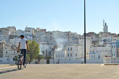 Urban life (Erre Taele) Tags: urban life bike kalea bizitza bici txirrindula marruecos morocco maroc afrique africa afrika umea niño child childonbike niñoenbicicleta larache