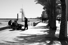 if you want, you can.. people said (pepe amestoy) Tags: blackandwhite streetphotography elcampello spain fujifilm xe1 carl zeiss t planar 250 zm leica m mount