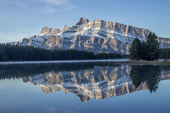IMG_9929 (RosieNiawm) Tags: canada canadianrockies twojacklake lakeminnewanka mountrundle