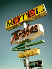 The Torches Motel (avilon_music) Tags: thetorchesmotel route66 themotherroad torchesmotel vintagemotelsigns vintageneonsigns markpeacockphotography motels motel arrowsign neon midcentury 1960 barstow california americana motorcourtmotel signage 1960s americanroadside motelsigns rcacolortv mojavedesert