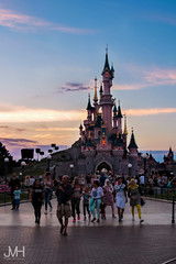 Summer Sunset Castle (Jojo_VH) Tags: 2015 centralplaza chateaudelabelleauboisdormant dlp disneylandparis lightroom sleepingbeautycastle castle disney photoshoot portrait summer