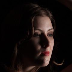 Sienna Hayes (Kotchka) Tags: flash hayes highcontrast model portrait sienna studio headshot