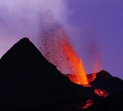 v6 (loïcabadie) Tags: eruption pitondelafournaise laréunion réunion volcan lave