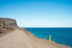 (giuli@) Tags: road sea cliff color colour digital iceland strada mare colore gravelroad westfjords scogliera islanda látrabjarg giuliarossaphoto noawardsplease nolargebannersplease fujinonxf35mmf14r fujifilmxe1