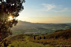 Ainhoa (Erre Taele) Tags: sunset mountain sol nature atardecer monte euskalherria basquecountry mendia paysbasque ainhoa larun lapurdi eguzkia ilunabarra