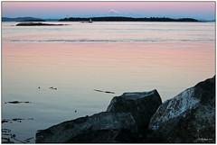 (CanMan90) Tags: sunset usa canada canon rocks colours britishcolumbia sunday victoria september vancouverisland washingtonstate mtbaker 2015 oakbaymarina cans2s rebelt3i