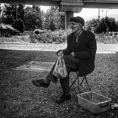 #Fuji #x100s #streetphotography #roadtoçeşme (volkankarabey) Tags: fuji streetphotography roadto uploaded:by=flickstagram x100s instagram:photo=10520266105581671681023831273