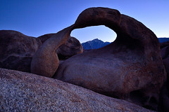 The Arch of Alabama Hills (Fabio Tode ) Tags: blue light sunset panorama nikon rocks tramonto arch blu alabama arc sigma fabio hills filter lee nd ora rocce 1020 arco tode gnd todeschini d3100 fabiotode