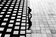 I Walk Alone (_Hadock_) Tags: bw bn black white blanco y negro nikon d750 tamron 2470 walk andar andando person walking alone solo contrast prespective fly flying fall contraste alto high yokohama jokohama phone selfie self people creative commons comons full hd resolution free japan japon lines minimalism pattern blackandwhite monochrome text grid