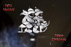 La ventana de la navidad - Happy Christmas - Feliz Navidad (Juanjo RS) Tags: juanjors navidad christmas feliznavidad nuevo nikond7100 nikon tarjetanavideña muñecodenieve trineo photografia fotografia nieve photo photography añonuevo mcdonalds felicitación amateur natal feliznatal happychristmas happynewyear feliceannonuovo bonneannée