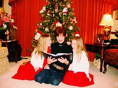 (capowell2015) Tags: photography redbackground red christmastree christmas family