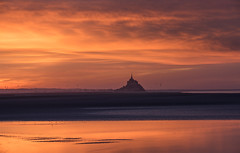 God is a Painter (MrBlackSun) Tags: painter sky orangesky orange stmichel saintmichel montsaintmichel nikon d810 landscape scenery nikond810