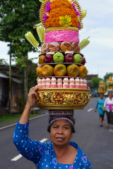 The Colours Of Bali (TablinumCarlson) Tags: colourful colours head kopf fruits yakult indonesia indonesien bali leica dlux 6 asia asien legian woman frau dame opfer opfergaben temple street streetphotography früchte sacrifice offering beautiful