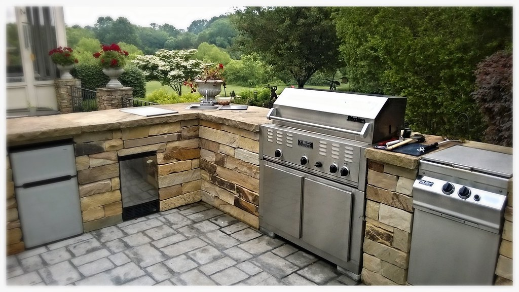 Custom TEC outdoor kitchen. Signal Mtn. Tn.