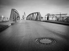 Schminckbrücke, Frankfurt Osthafen (pixel-art) Tags: street bridge analog germany frankfurt hp5 osthafen hp5mamiya645protl