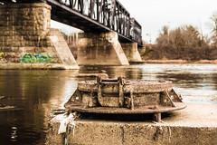 Aqueduc (louismartincaron) Tags: canal beige bleu pont aqueduc rouille gout