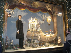 (VERUSHKA4) Tags: showcase canon europe russia moscow city cityscape vue view man shoe ship tree decor art january winter window stairs fairy tale door shop tsum centre beautiful unique magical object detail hiver ville