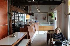Leche (Apuntes y Viajes) Tags: hernáncastrodávila apuntesyviajes regióndevalparaíso chile cerroconcepción leche café valparaíso