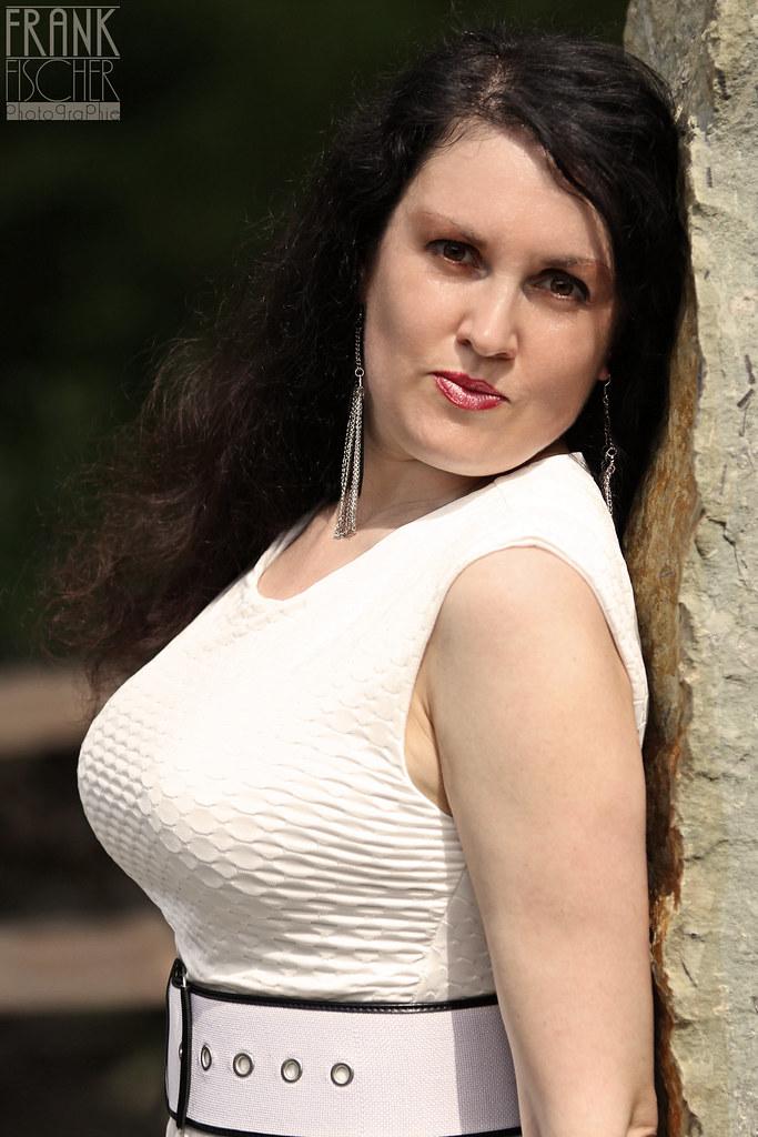 Love having really gefälschte sexy Schauspielerin looking for guy