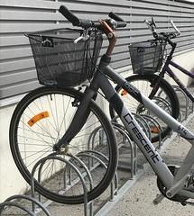 Två av något ger balans. En cykel får sin balans i ett cykelställ. #FS170326 #balans #fotosondag (ulricalyhnakis) Tags: instagramapp square squareformat iphoneography uploaded:by=instagram