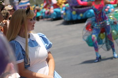 Alice (MediumHero6) Tags: face orlando mine florida character parks disney parade wdw waltdisneyworld mk magickingdom aliceinwonderland mainstreetusa fof disneyparks facecharacter festivaloffantasy