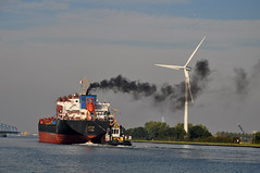 Fan (gelein.zaamslag) Tags: bridge holland netherlands windmill boot smoke nederland zeeland tug brug rook sleepboot windmolens zeeuwsvlaanderen sluiskil kanaalgentterneuzen