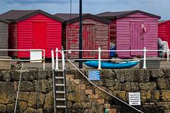 Les cabanes (Lucille-bs) Tags: rose rouge europe jersey porte bateau quai escalier canot cabane barque jetée rozel échelle royaumeuni rambarde