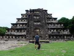 Made it. At the Pirámide de Los Nichos in El Tajín. Yea, I'm pretty content right now. #TheWorldWalk #travel #mexico #twwphotos