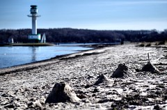 IMGP6329 (tbuering) Tags: lighthouse castle beach strand sand beacon sandburg kiel leuchtturm falckenstein