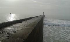 La vie poétique / 245 - Le môle du Raoulic - Audierne - Finistère - Décembre 2016 (jeanyvesriou1) Tags: jetée jetty breakwater môleduraoulic audierne finistère