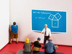 #Macro Monday - Corner - Dunce's corner - In die Ecke gestellt (J.Weyerhäuser) Tags: tinypeople macromonday corner hmm duncescorner ecke schule school strafe