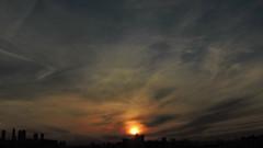 les balais d'ombres (laetitiablableuse) Tags: ciel sky nuage cloud sunset coucher soleil val marne ile france banlieue suburb glory lovers poetry creative