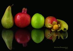 Vitamine (rafischatz... www.rafischatz-photography.de) Tags: fruits apple pear pomegranate physalis banana onblack lowkey food reflection pentax k3