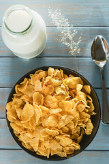 cornflakes (AEyZRiO) Tags: wood morning food white texture yellow closeup breakfast table cuisine golden wooden milk healthy corn energy raw dish natural sweet eating wheat cereal lifestyle tasty flake nobody spoon bowl fresh sugar gourmet oatmeal delicious crisp health snack meal vegetarian organic diet dairy granola pour cornflakes crunchy freshness nutrition dieting muesli