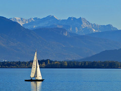 Panoramic sailing (Silanov) Tags: autumn trees sky panorama oktober mountain lake mountains alps reflection fall water berg sailboat germany landscape lago bayern deutschland bavaria boot see boat october wasser europe herbst oberbayern upperbavaria eu himmel lac bluesky panoramic berge alpine german sail vista alpen aussicht mountainlake landschaft alpi bume spiegelung cruiser blauerhimmel chiemsee prien segelboot ausblick bavarian segel alpin gebirge mountainrange sailingboat 2015 wilderkaiser mountainvista bavarianalps sailingyacht  chiemgau herreninsel gebirgssee highmountains segelyacht chiemgaueralpen bayerischealpen hochgebirge kaisergebirge rangeofmountains gebirgspanorama