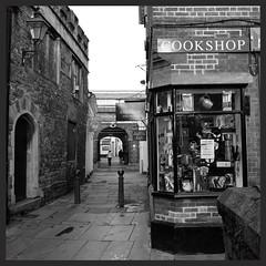 Street in Barnstaple (Devon) (mibric) Tags: street greatbritain england blackandwhite angleterre rue barnstaple grandebretagne