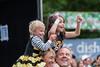 2015_ChrisStanbury_Saturday (49) (Larmer Tree) Tags: 2015 saturday shoulders under5 children clap handsintheair chrisstanbury family mainlawn