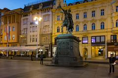 Zagreb - Trg bana Josipa Jelačića (Añelo de la Krotsche) Tags: zagreb hrvatska croatia croatie trgbanajosipajelačića