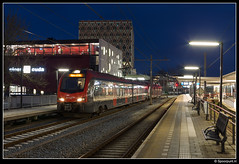R-net 2012 + 2014 - 8658 (Spoorpunt.nl) Tags: 28 januari 2017 rijngouwelijn nsr ns reizigers rnet flirt 2012 2014 trein 8658 gouda avond nacht station