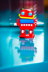 Retro Robot 2017_ColourSplash_8885_ By Phil Ovens (Pitcher_Phil) Tags: robot retro vintage colourful toy reflecions bright shiny plastic lensbaby bokeh windup mechanical
