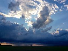 Dreigende lucht boven Meeden (jelkejozef) Tags: cloud dark groningen lucht landschap donker dreiging