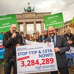 Stop TTIP hands 3,284,289 signatures to Martin Schulz
