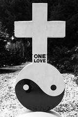 Yin & Yang ☯ One Love 💗 (michael_hamburg69) Tags: düsseldorf germany deutschland landeshauptstadt nordrheinwestfalen nrw friedhof cemetery nordfriedhof gottesacker cimetière camposato cementerio grave grabstein yinyang ☯ yin yang onelove 陰陽 阴阳 💗