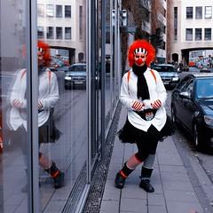 Here she comes.... (pauleß) Tags: cologne brückenstr