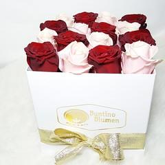 Flowers always make people better, happier, and more helpful; they are sunshine, food and medicine for the soul.❤❤❤⚘⚘⚘⚘❤❤❤ www.buntinoblumen.de  #flowerbox #luxury #luxurylifestyle #bestoftheday #instagramers #picofthed (galiceanu_casanova) Tags: frauen beautiful instagramers moet best blumenbox bestoftheday fotooftheday kunst flowerporn hamburg luxus buntinoblumenhamburg freunde liebe moetchandon rosebox picoftheday luxurylifestyle flowerbox girl luxury nightout roses instafoto foto flowerpower flowers