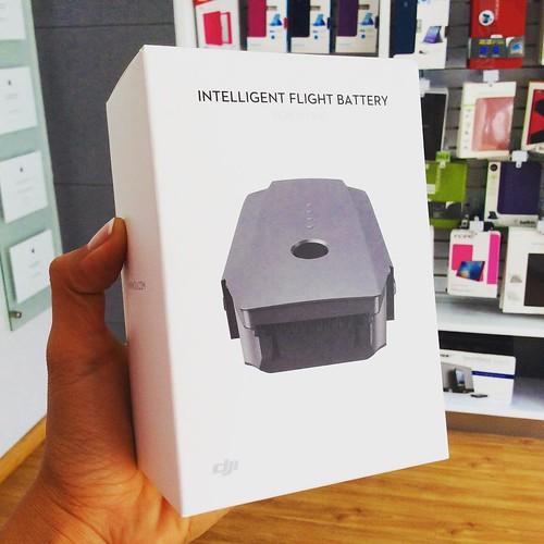 Disponibles en @compudemano baterías inteligentes recargables para DJI Mavic Pro, todos los accesorios DJI que buscas los encuentras aquí www.compudemano.com/tienda. Visita nuestra tienda o llámanos Barranquilla: (5) 316 1300 - Pereira: (6) 335 9494 - Cel